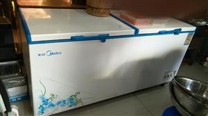 美的1.8米冰柜,八成新,现在在自己店里用起的,如果有需要可以可以来店里看。地址:龙潭电信局旁边三妹...