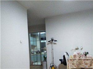 锦绣华庭1室1厅1卫1500元/月