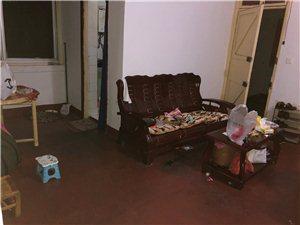 老农行宿舍3室1厅1卫800元/月