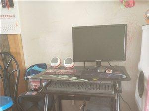 品牌电脑加电脑桌