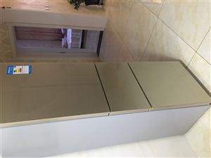 美的纯家用冰箱,因空间觉得小,购置新冰箱,所以转卖。