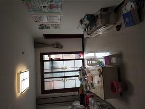清华园3室1厅1卫1700元/月