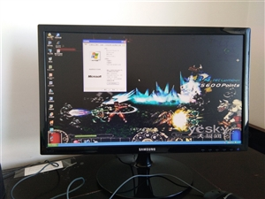 自用一整套电脑加电脑桌子,8成新带包装箱,基本没有用,上网速度快,可轻松玩大型游戏,当时主机3000...