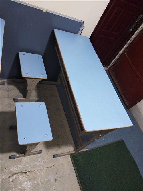 課桌低價出售