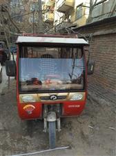 大江拉客三轮车转让,高配,带倒车影像,暖风,使用一年多,电瓶还能跑一百公里,车在中牟县城,有意电联。
