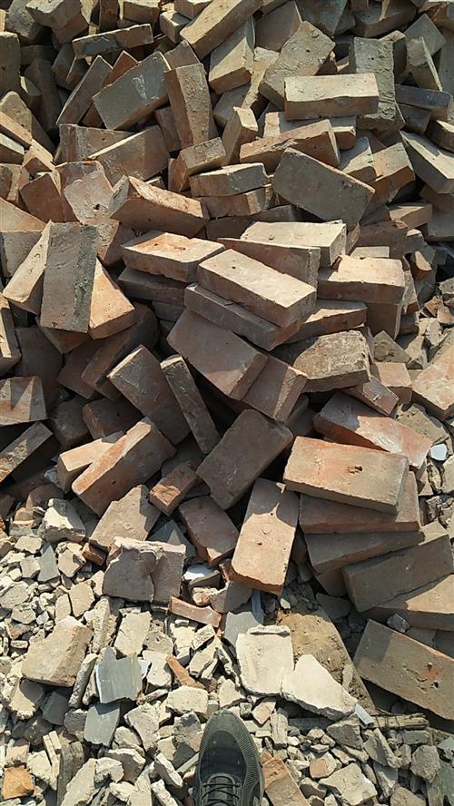 专业拆房,收下房木头,