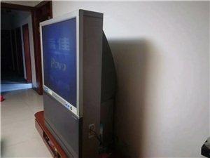 现有一台51寸飞利浦大背头电视,图像清晰,美观大气,适合大客厅,堪称家庭影院。电话:13133145...