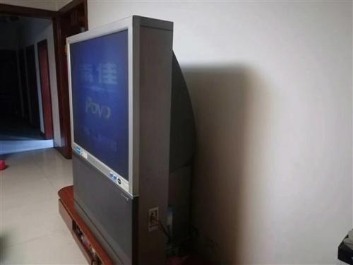 現有一臺51寸飛利浦大背頭電視,圖像清晰,美觀大氣,適合大客廳,堪稱家庭影院。電話:13133145...