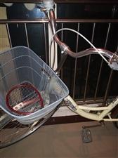 本人诚意出售全新二手上海凤凰自行车,个人用,半年车,颜色鲜艳,轻巧耐用!有意购买的朋友请电话联系!另...