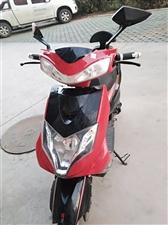 豪顺电动车,60伏大功率电池,充一次电可跑120公里,四个月前买的,只骑了一个月