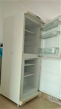冰箱lg,一直都是自家用的,保持的很好,有梅河的朋友可以联系,价格可以在议