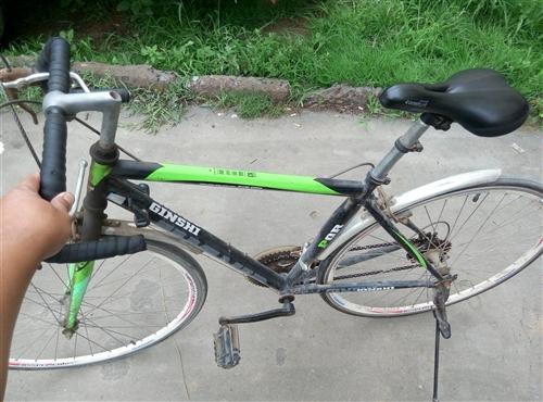 孩子上学骑的自行车,现在已经上大学了。骑不着了,有需要的请你联系我。