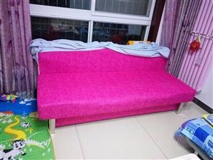 低价转让双人沙发床一个,九成新,有意者请电话联系我。
