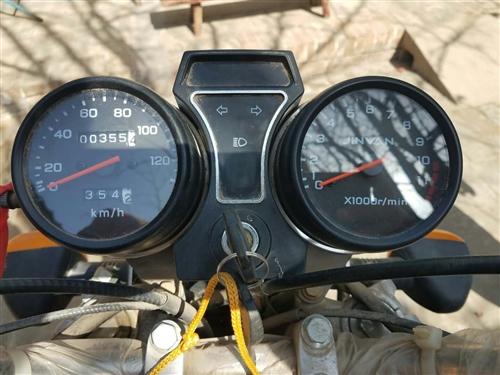 金元威风狼加油三轮摩托车,九成新,行驶不到400公里,车况好,新车价格4800,现在3500元急需出...
