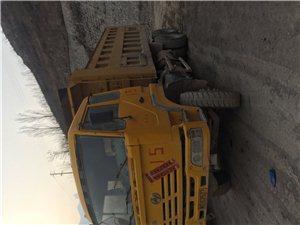 红岩金刚自卸车,09年,大箱6.2米。