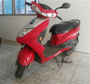 八成新红色燃油踏板车出售!13997695249(微信同号)