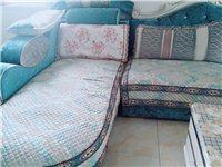 由于沙发尺寸买大了,现出售九成新沙发,有意者联系13753599319