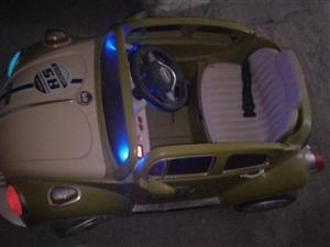 出售小孩电动遥控汽车  自己小孩用下的 有想买的可以联系