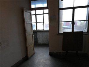 888真人娱乐工业供销公司2室1厅1卫250元/月