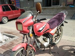 钱江125摩托车出售,发起机没缺点,电瓶好使