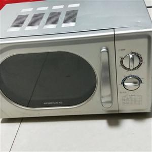 出售两个微波炉,便宜处理,有两个,谁便选。
