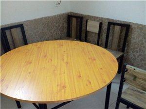 现有二手小吃厨具,保鲜柜,吧台,有意者联系18832265070