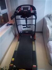 多功用跑步机   可以衔接无线网   带有多媒体   还可以推拿腰部   想要出售   价钱150...