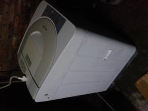 松下6公斤洗衣机,很新那大区送货上门,联系131.3892.1458