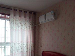 鑫怡小区4室3厅2卫1800元/月