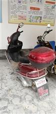 转让自用摩托车,骑行公里数不到2500公里,整车完好,齿轮油,机油刚换价格1750。有意联系1375...