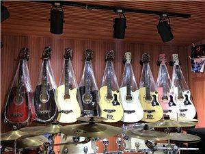 38寸练习吉他 琴行展示样品