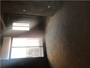 凤凰城3室2厅2卫40万元