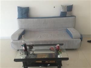 沙发茶几床头柜,一共500,单卖沙发350,茶几130,床头柜70。全部九成新,保你相中