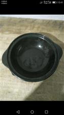 出售高档砂锅及托盘,有防爆防裂性能,价格美丽。