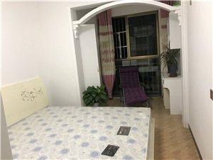 一品江山3室2厅2卫1500元/月