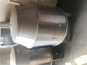 出售烤鸭炉两个 之前烤串用了几次 基本还是新的 现在200一个出售