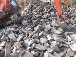 出售、沙、石、水泥、砖等,承接各类运输