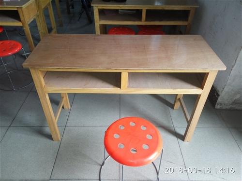 转让课桌、登子、床,全新、来使用,价格面议。