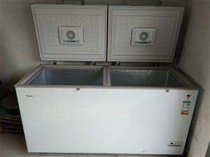 出售一台海尔冰柜。今年刚买的,双冷冻,双冷藏。容积519L   有需要的老板和我联系:1850564...