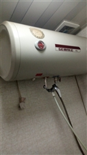 九成新热水器,没怎么用