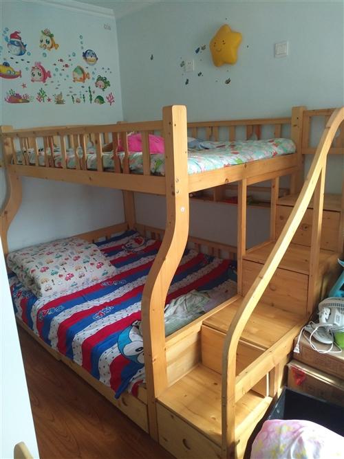 九成新,松木兒童高低長,下鋪1.5米,上鋪1.2米,帶棕墊