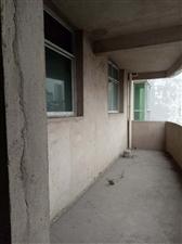 教师小区黄金楼层5居室42.8万元