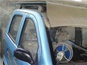 出售新换电瓶代步电动四轮车,电话13789822279.
