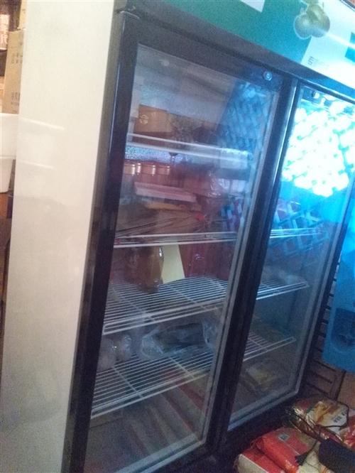 本人有一台冰箱转让,用过一年,发票都有,九成新,1400元,有意者电联!