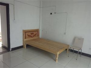 花园小区3室1厅1卫350元/月