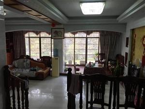 国土小区3室2厅2卫1500元/月