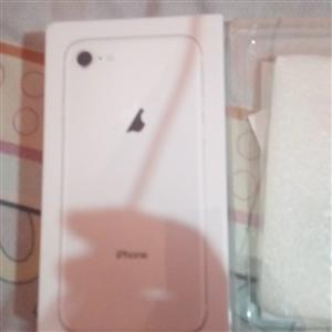 出售苹果8两个,全新未激活,白色64g国行,三网通用,全新,未拆,4100一个,诚心买可便宜,可当面...