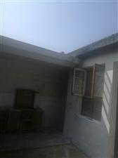霍邱县政府师部大院4室1厅2卫1500元/月