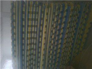 处理地垫,双面双色,100cm*100cm*3cm,70多片,部分全新,部分9成新。适合幼儿园,舞蹈...