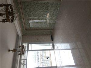 新日德小区3室2厅2卫72万元